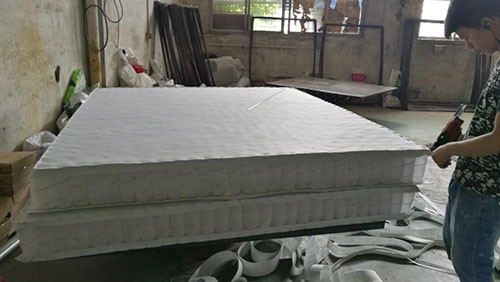 China King Size Mattress Inner Pocket Spring System With 330gs Felt Fabric Cover supplier